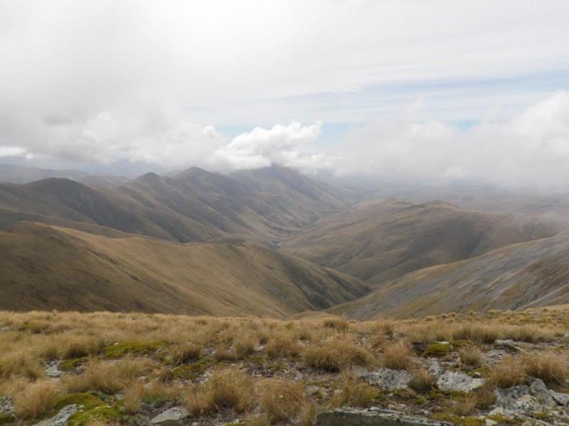 09 North-east along Maerewhenua Spur